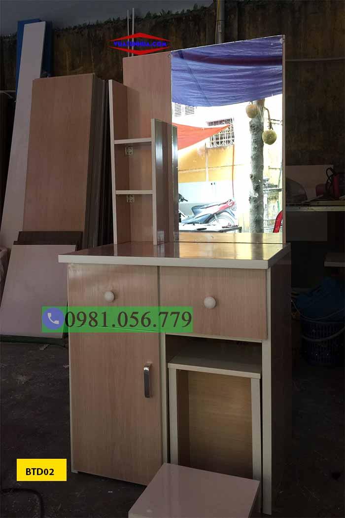 Bàn phấn trang điểm bằng nhựa Đài Loan đơn giản BTD02
